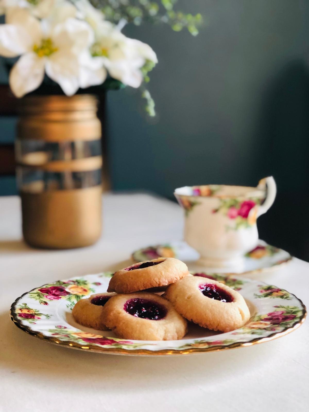 Blackberry Shortbread Cookies